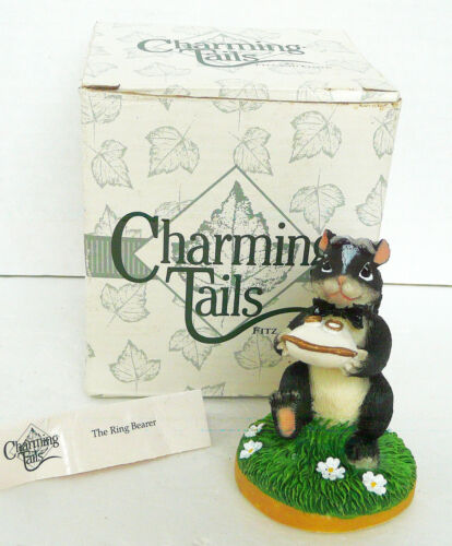 CHARMING TAILS SKUNK THE WEDDING RING BEARER FIGURINE FITZ & FLOYD APPROX 4