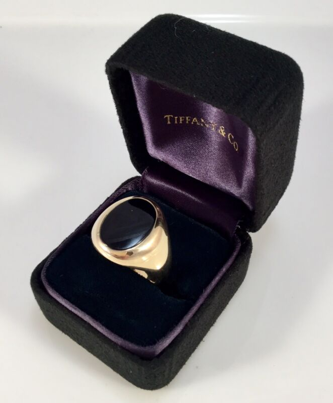 TIFFANY & CO 18K GOLD / ONYX MENS HANDSOME HEAVY RING RARE 9 1/2