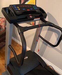 Freespirit ( by Nautilis) Treadmill