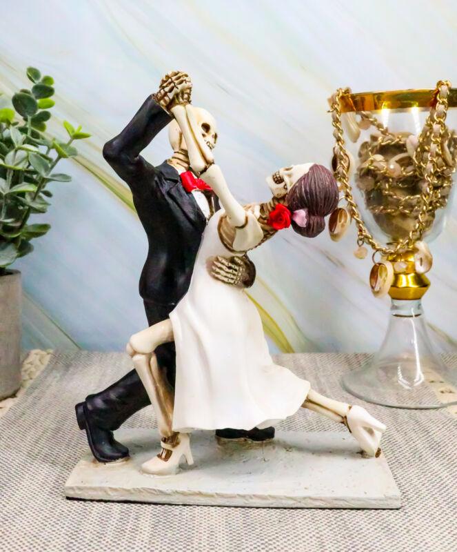 Skeleton Wedding Couple Dancing Day of the Dead Dia de Los Muertos Figurine