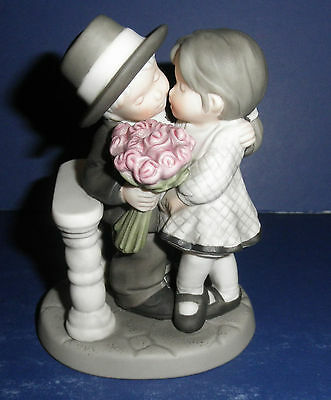 Enesco Pretty As A Picture #472387 Life's Sweetest Moments is....- New-RETIRED
