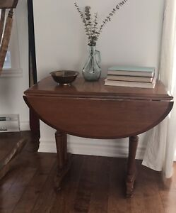 Antique Wood Table (adjustable sizes)