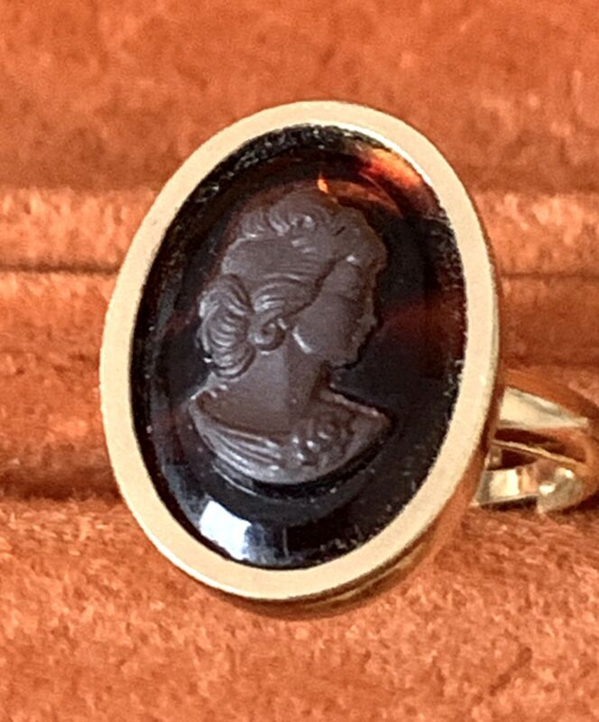 Vtg Sarah Coventry Cameo Ring Rootbeer Brown Glass Flowers Size 6 Adjustable NOS