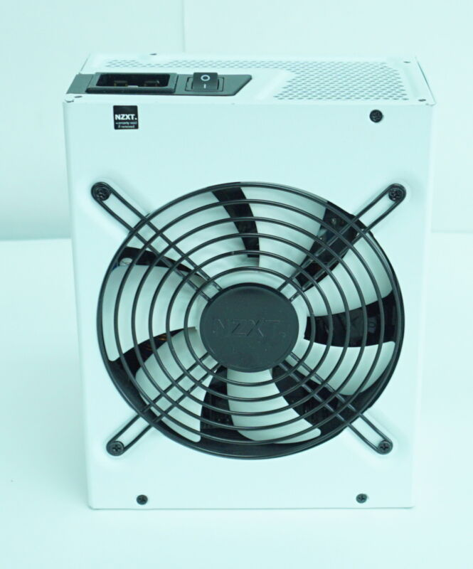 NZXT HALE90 V2 850W NP-1GM-0850A-NE Fully Modular ATX Power Supply No Cables