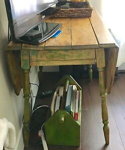 French drop leaf table