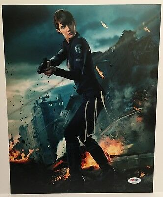 Cobie Smulders As Maria Hill Signed 11X14 Photo  The Avengers   Psa Dna Coa