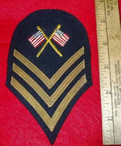 US COLOR SERGEANT 1902  CHEVRON BULLION STRIPES CROSSED FLAGS NICE & RARE