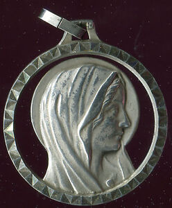 LARGE OLD SILVER MEDAL OF OUR LADY OF LOURDES - France - OLD SILVER MEDAL OF OUR LADY OF LOURDES 1.30 INCH WITHOUT THE BAIL YOU CAN BUY ONE OR MANY CARDS OR POSTCARDS SHIPPING IS THE SAME - France