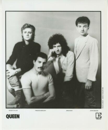 QUEEN Band - Elektra Records 8x10 Black & White Photograph 1982 Promo vintage 2
