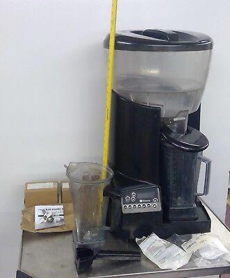 Vitamix Corp Commercial Food Preparing Machine Vmo126. Ice Crusher