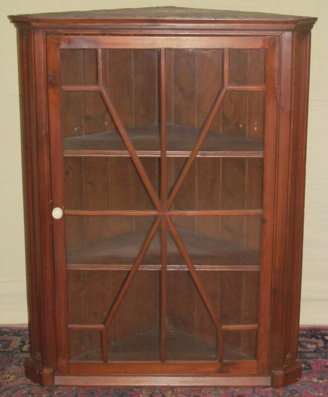 18TH C QUEEN ANNE PERIOD WALL HUNG ANTIQUE CORNER CABINET WITH 12 LIGHT DOORS