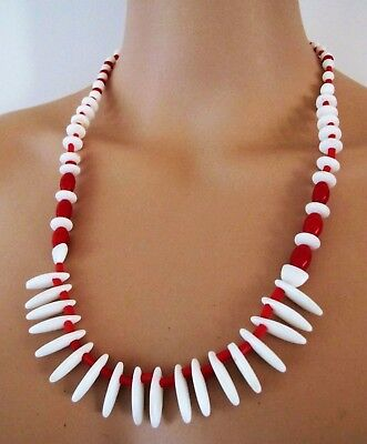 1930s Art Deco Style Jewelry NECKLACE Genuine 1930's VINTAGE Red & White GLASS BEADS Collar Choker Depression $30.91 AT vintagedancer.com