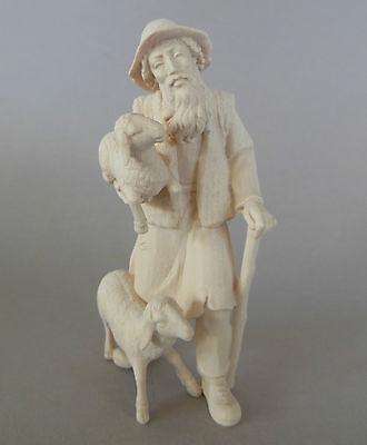 Schafhirte,Hirte mit 2 Schafen für Krippenfiguren Größe 12 - 13 cm;Holz natur TB