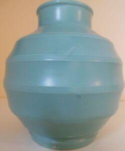 WEDGEWOOD - Keith Murray - Huge Bomb Vase GREEN