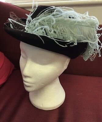Vintage Womens Brown Hat With Feathers