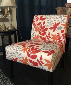 Printed Sofa chair with espresso legs