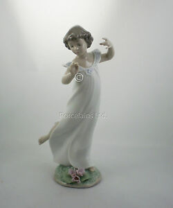 Lladro Violets Time of Innocence NIB #6947 Girl Dancing NEW IN BOX Made in Spain