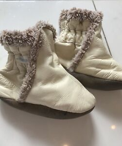 Robeez leather booties 18-24 months