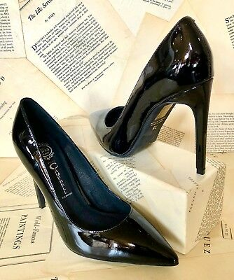 NEW Jeffrey Campbell black Patent  Stiletto Bought at Free People Pump 7.5 Patent Stiletto Pump
