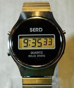 Original Vintage LCD Armbanduhr rund SANYO SERD 70er Jahre, NOS, ungetragen