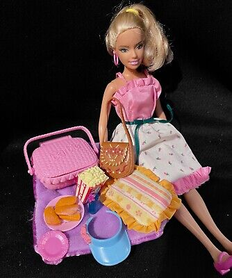2006 Mattel Barbie Doll in Summer Dress with Picnic Food and Accessories