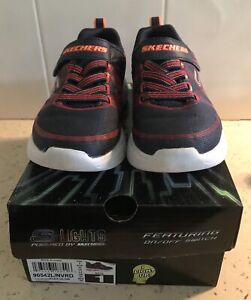 Genuine Sketchers LIGHTS Kids Shoes Size 1. In Great Condition.
