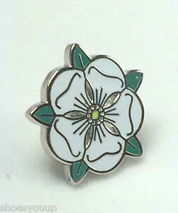 Small England County of Yorkshire White Rose Quality enamel lapel pin badge