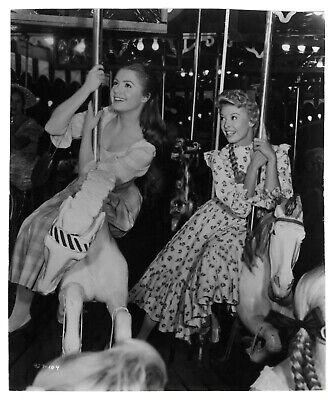 Foto Cine C.1956 - Película Carrusel - Mujeres Carrusel Caballos De Madera segunda mano  Embacar hacia Spain