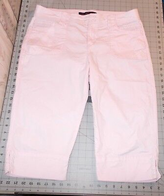 - Gloria Vanderbilt Alicia Pink Capri Pants Size 14P