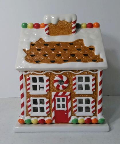 Slatkin & Co Christmas Gingerbread House Candle Luminary Base Holder Bodyworks
