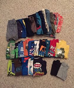 Boys  (toddler) shorts and t-shirts  Size 2-3