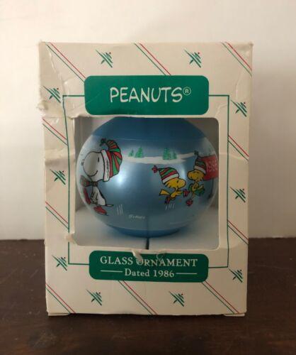 Vintage Hallmark Peanuts Snoopy 1986 Glass Christmas Ornament Ball Charlie Brown