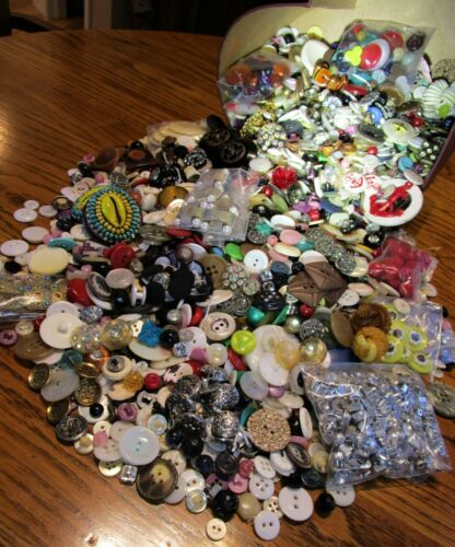 Vtg Estate Antique Mixed Sewing Button Lot 7+ Lbs MOP Rhinestone Bakelite Shell
