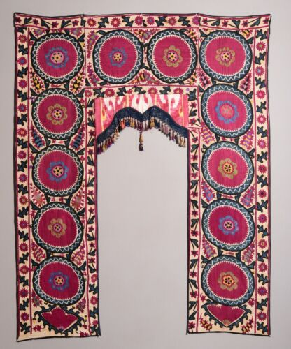 AMAZING ANTIQUE UZBEK BUKHARA SUZANI + IKAT EMBROIDERY TEXTILE TAPESTRY