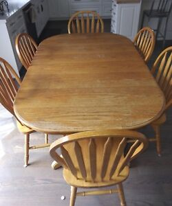 Oak Dining Room Table with 8 Chairs - $250.00