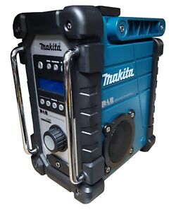 MAKITA DMR104 - DAB FM - JOB SITE RADIO - MAINS OR LXT BATTERY POWERED - AUX IN