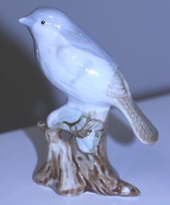 vintage grey white brown tail bird on branch porcelain bird figurine TAIWAN