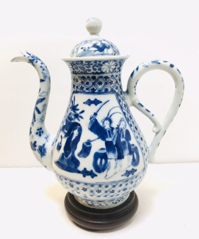 Chinese Antique Blue & White Tea Pot, Early Qing or Possible Ming Dynasty.