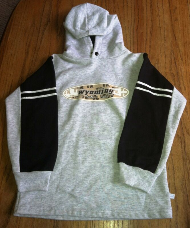 UNIVERSITY OF WYOMING SWEATSHIRT HOODIE KIDS YOUTH SIZE 6 SIZE 6/8