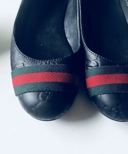 Authentic Gucci,Black red and green flat shoes