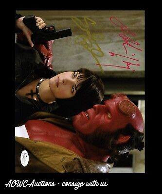 Autographed Photo   Ron Perlman And Selma Blair   Hellboy   Jsa Cert