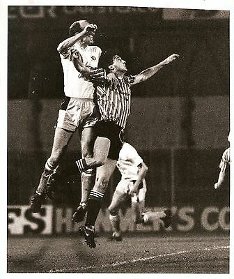 Original Press Photo Wrexham v Blackpool 7.11.1989 10x8 inch