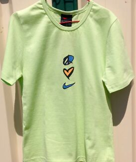 "New "" NIKE "" Girl's Designer Brand Tee Shirt"