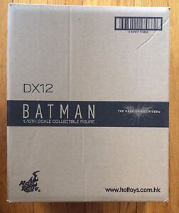 Hot Toys DX12 Batman MINT