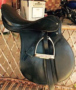"""Leather Saddle All Purpose 17"""" Bullsbrook Swan Area Preview"""