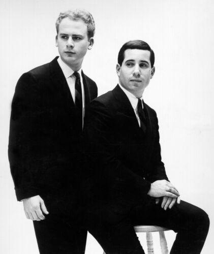 Simon & Garfunkel -  MUSIC PHOTO #23