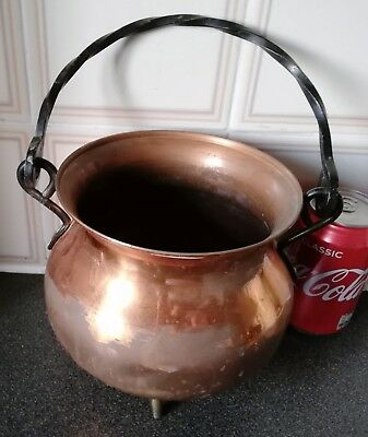 Footed Copper/Brass Pot With Handle/Hammered.H-16.5/D-16cm,W-600g.Brightness Off