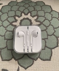 Apple Earbuds/ Earphones