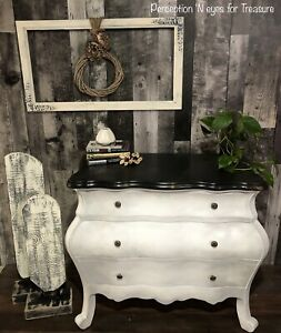 Beautiful hallway accent chest / dresser $300