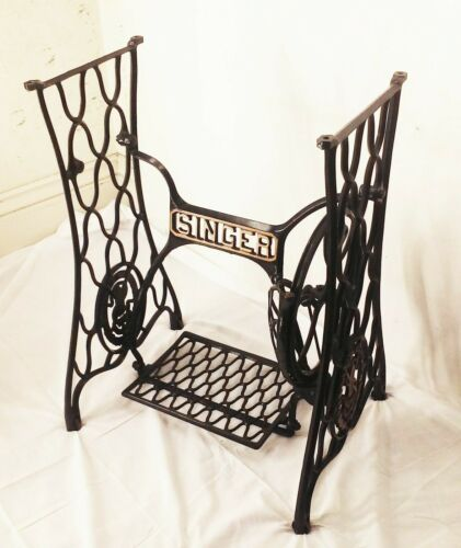 Vtg antique cast iron Singer treadle sewing machine base frame stand ornate